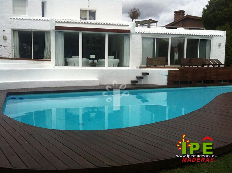 Tarima para piscinas tarima de exterior piscinas for Precio mantenimiento piscina