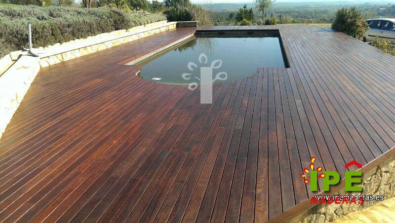 Tarima para piscinas tarima de exterior piscinas for Suelos para alrededor de piscinas