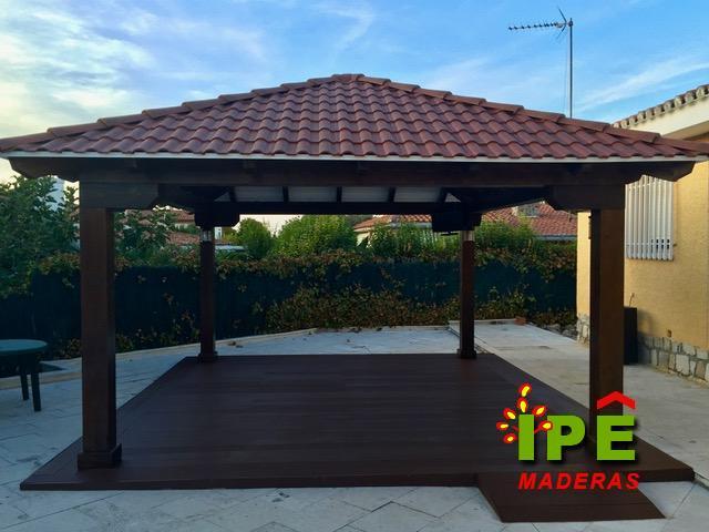 porche de madera con teja sintética