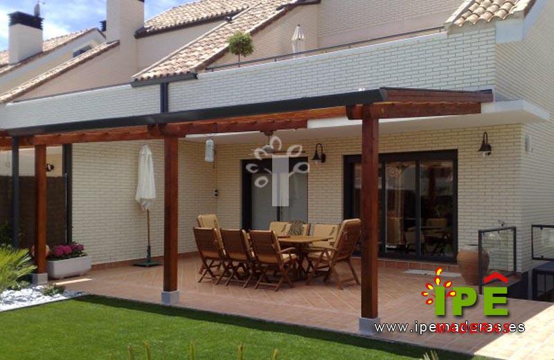 P rgolas de madera venta e instalaci n de p rgolas ipe - Suelos de exterior para jardin ...