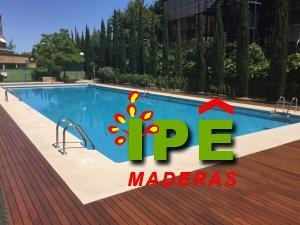 tarima de ipe en piscina