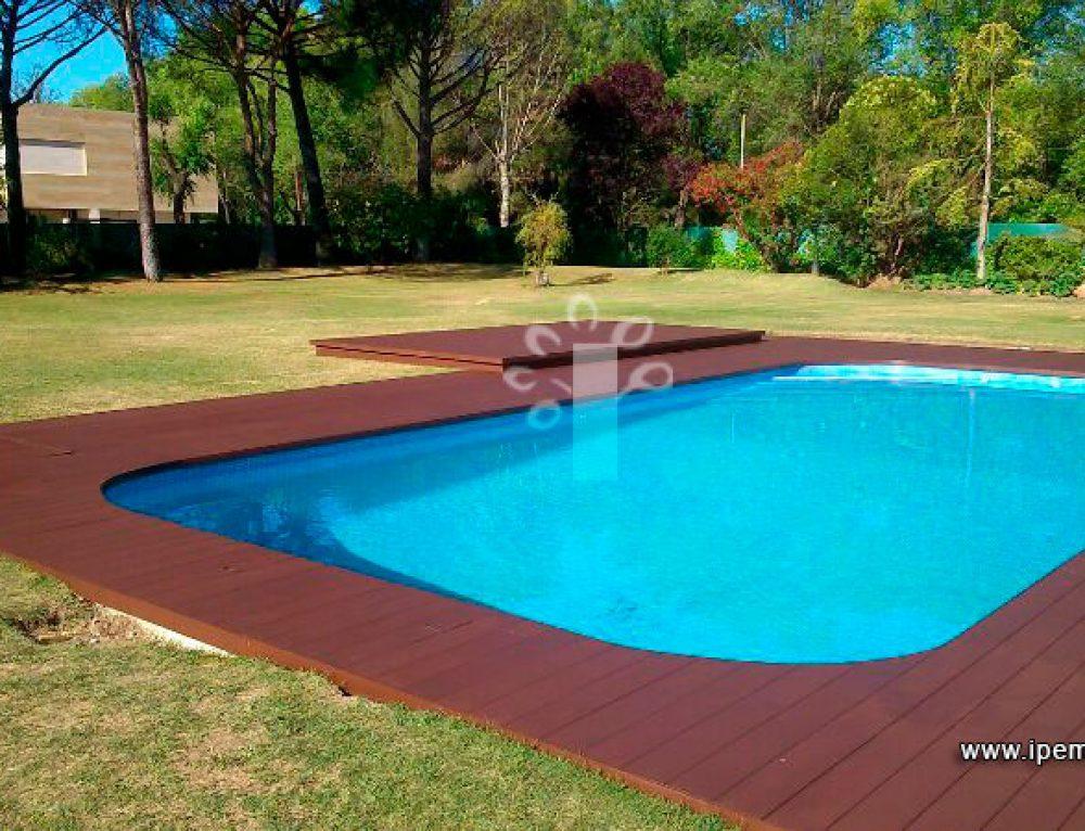 3 razones para escoger tarima de exterior para piscinas
