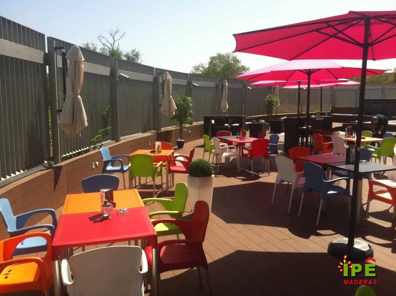 Tarima de bar para terraza exterior