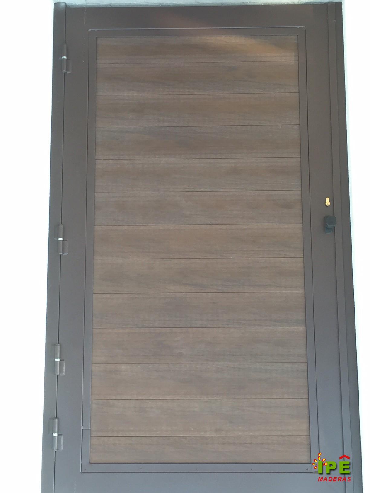 Marquesinas de madera para puertas de entrada excellent for Tarima exterior ikea